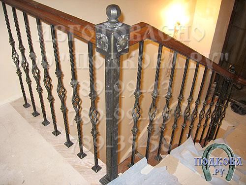 перила ограждения у винтовых лестниц фото